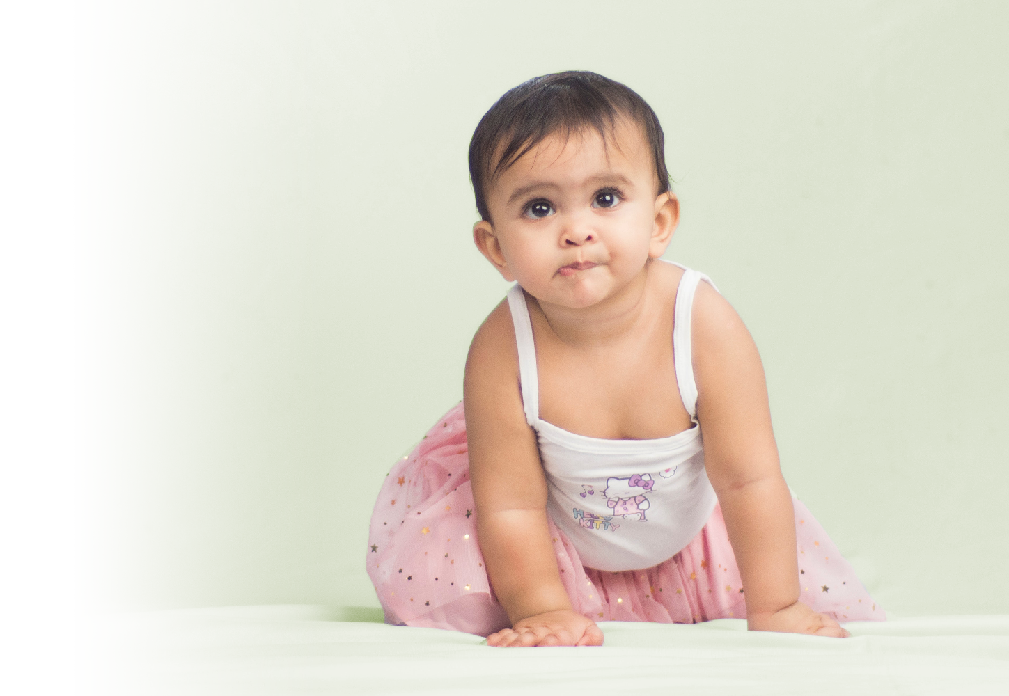 How to use saline nasal spray for babies